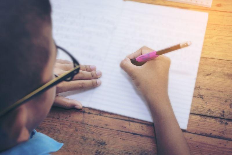 寫英文故事摘要